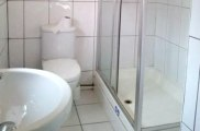 acacia_hostel_london_bathroom_big