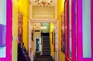 acacia_hostel_london_entrance