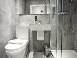airways_hotel_bathroom1_big