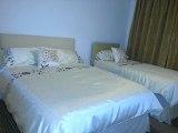 apple_house_triple2_room_big