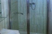 apple_house_bathroom_big