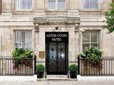 astor_court_hotel_entrance