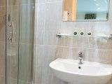 bayswater_inn_bathroom_big