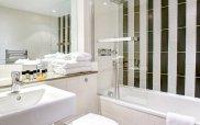 best_weston_mornington_hotel_bathroom