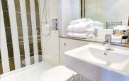 best_weston_mornington_hotel_bathroom1