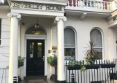 beverley_hyde_park_hotel_entrance