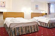 bridge_park_hotel_london_quad_room_r