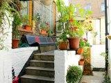 camden_inn_hostel_balcony_big