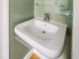 apr16_carr_saunders_hall_bathroom