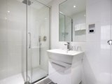 central_park_hotel_london_bathroom_big