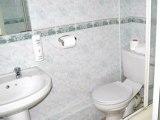 jan16_chiswick_lodge_hotel_bathroom1