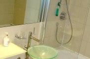 collingham_place_hotel_bathroom_big