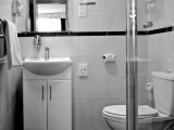 comfort_inn_edgware_road_bathroom_big