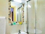 craven_hotel_bathroom1_big