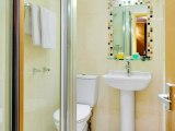craven_hotel_bathroom2_big