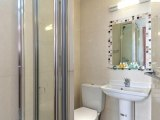 craven_hotel_bathroom4_big