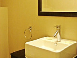 earls_court_budget_rooms_bathroom_r