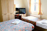 earls_court_budget_rooms_triple_r