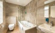 apr17_docklands_lodge_bathroom