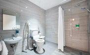 apr17_docklands_lodge_bathroom1