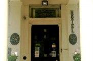 glendale_hyde_park_hotel_exterior_big1
