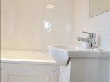 grove_hill_hotel_bathroom_big