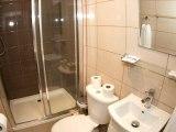 holland_court_hotel_bathroom_big