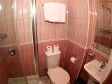 holland_inn_hotel_bathroom_big