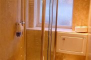 hour_glass_hotel_bathroom2_big