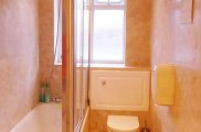 hour_glass_hotel_bathroom_big