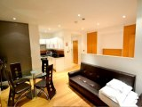 hyde_park_suites_quad_breakfast_room_big