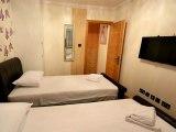 hyde_park_suites_twin_room_big