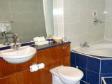 quality_hotel_london_wembley_bathroom2_big