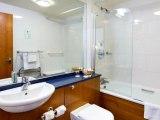 quality_hotel_london_wembley_bathroom3_big