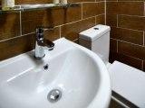 jun15_lucky_8_hotel_bathroom