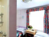 marble_arch_inn_room_big