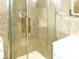 lion_and_key_hotel_bathroom_big