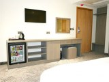 lion_and_key_hotel_room2_big