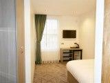 lion_and_key_hotel_room_big