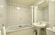 viking_hotel_london_bathroom