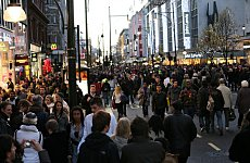 Oxford Street Goes Traffic Free for Big Christmas Shopping Weekend.