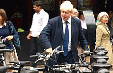 Boris Johnson Unveils First Cycle Superhighways.
