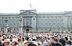 Buckingham Palace to Host Public Concert for Queen's Diamond Jubilee.