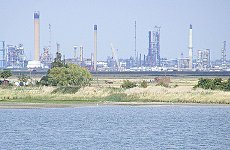London Petrol Supplies Under Threat after Refinery Shuts Up Shop.