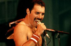 Freddie Mercury to appear on stage as an optical illusion.