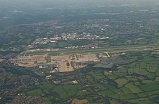 Gatwick wants second runway to take on Heathrow in London's 'flexible' airport f