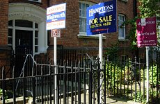 London House Prices to Crash by 5% Next Year, Says Report.