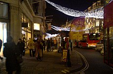 London Shops in Christmas Sales Bonanza.