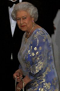 Queen wants someone to do the dishes for less than London Living Wage