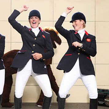 Zara Phillips does Gangnam Style with horsey chums (pictorial evidence incl.).